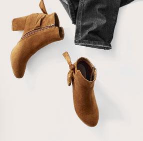 Boots met strik en hak