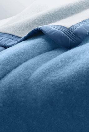 Blauw tweekleurig in wol 500g/m2
