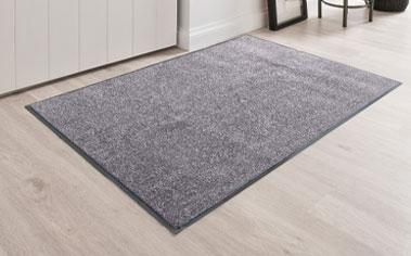 Grijs stofwerend tapijt