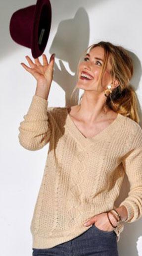 Beige trui met V-hals in tricot