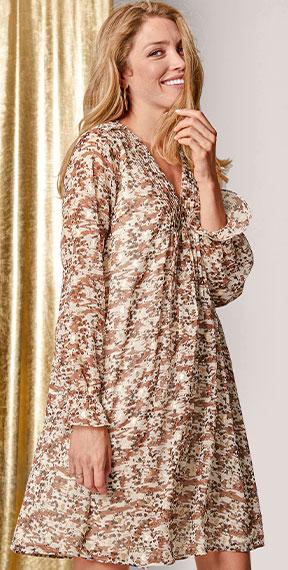 Robe beige imprimé à plis manches longues