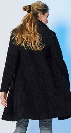 Zwarte mantel in lusjesstof