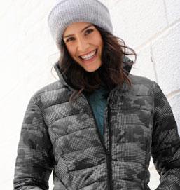 Grijze licht gewatteerde jas met camouflageprint