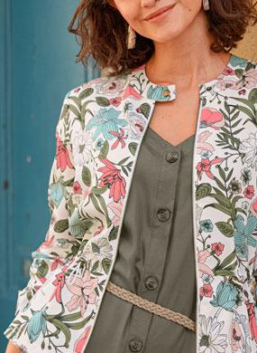 Veste femme saharienne imprimée fleurs roses, bleues et kakis manches longues col rond pas cher - Blancheporte