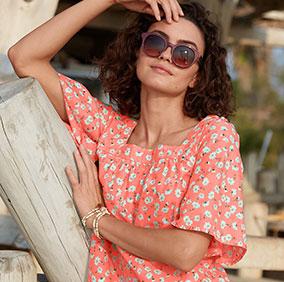 Wijde, oranje bloes met bloemenmotief, vierkante hals en korte mouwen in katoen - goedkoop - Blancheporte