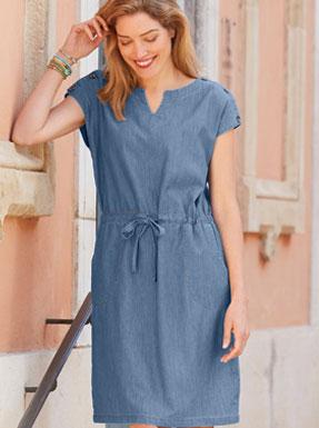 Halflange jurk in jeansblauw met korte mouwen en knopen op de schouder in katoen, goedkoop - Blancheporte