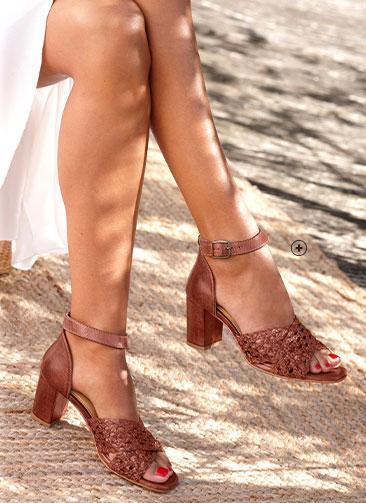 Bruine sandalen in leer met vlechtwerk en brede hak, goedkoop - Blancheporte