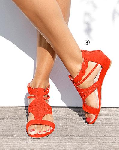 Rode sandalen met sleehak, vlechtwerk en perforaties, goedkoop - Blancheporte