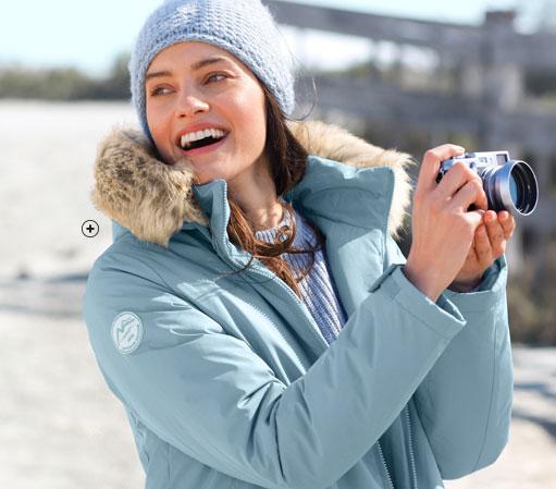 Parka femme court bleu imperméable zippée capuche amovible fausse fourrure manches longues pas cher - Blancheporte